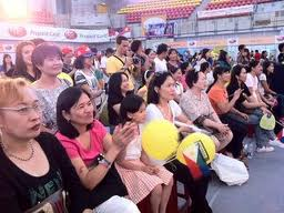Filipino workers in Taiwan. Photo courtesy of pinoy-ofw.com